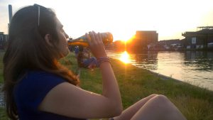Place to be: Die B-Side am Hafen.